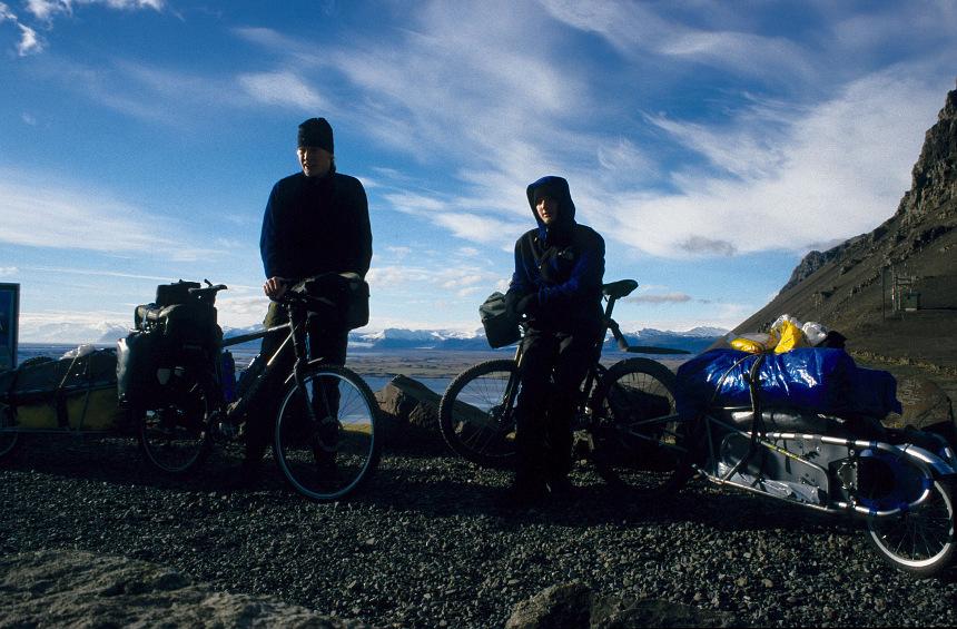 Jens Hegler & Jakob Maercker on the mountainpass on the south coast near Höfn